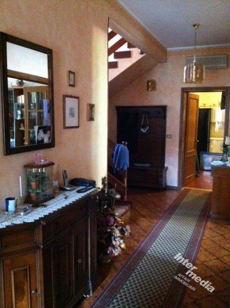 Agenzia immobiliare Intermedia - Casa singola in vendita a ...